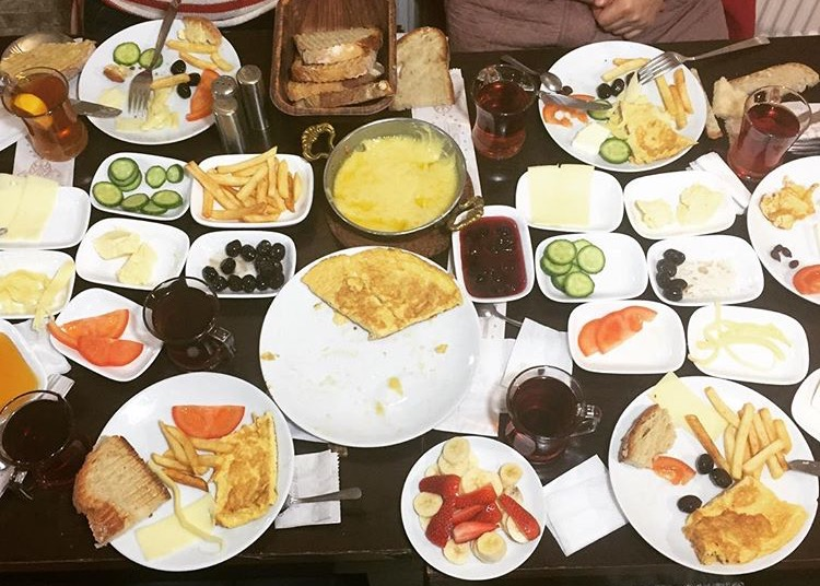 Kervan serpme kahvaltı